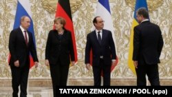 Putin (i pari nga e majta), Merkel, Hollande dhe Poroshenko, gjatë një takimi të mëparshëm