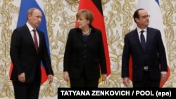 (Left to right:) Russian President Vladimir Putin, German Chancellor Angela Merkel, and French President Francois Hollande will meet to discuss Ukraine on the sidelines of a G20 summit next week. (file photo)