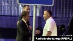 2016 рік. Бізнесмен Фукс прилетів із Харкова з депутатом Хомутинніком