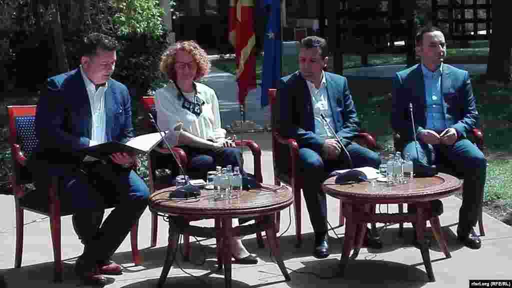 МАКЕДОНИЈА - Премиерот Зоран Заев пред Комисијата за европски прашања во Собранието на која се расправаше за извештајот на ЕК за напредокот на Македонија изјави дека владата ја продолжила и ја интензивирала реформската динамика. Тој порача дека со досегашните напори успеале да ја убедат Европската комисија дека Македонија заслужува почеток на претпристапни преговори.