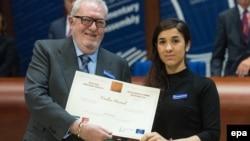 Надя Мурад и президент Парламентской ассамблеи Совета Еевропы Педро Аграмунт