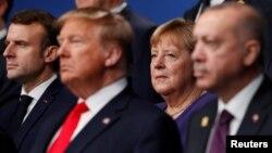 Лидерите на Франция, САЩ, Германия и Турция Еманюел Макрон, Доналд Тръмп, Ангела Меркел и Реджеп Ердоган на срещата на НАТО в Лондон