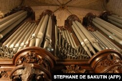 Orga principală, imagine din 2004 (Photo by STEPHANE DE SAKUTIN / AFP)