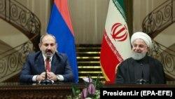 Իրանի նախագահ Հասան Ռոհանին Թեհրանում ընդունում է Հայաստանի վարչապետ Նիկոլ Փաշինյանին, արխիվ