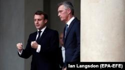 rancuski predsjednik Emmanuel Macron sa generalnim sekretarom NATO-a Jensom Stoltenbergom
