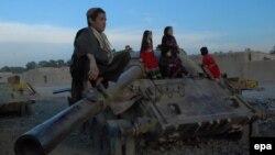Советтик армиядан калган танк. Кандагар, Ооганстан. 2013-жыл