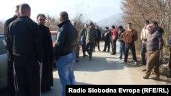 Протести на Македонците од село Лажец