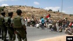 صحنه ای اعتراض به نقض حقوق بشر توسط اسرائیل (عکس از epa)