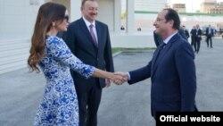 Встреча президента Франции Франсуа Олланда с президентской четой в Баку.
