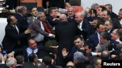 Дебаты в турецком парламенте (12 января 2017 г.)