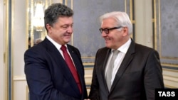 Президент Петро Порошенко та глава МЗС Німеччини Франк-Вальтер Штайнмаєр