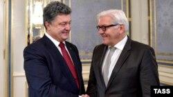 Президент України Петро Порошенко та міністр закордонних справ Німеччини Франк-Вальтер Шмайнмаєр