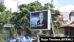 Bilbord i Avdullah Hotit, kandidatit të LDK-së për kryeministër të Kosovës