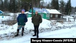 Жительницы поселка Вегарус Татьяна Сергеева и Елена Морозова
