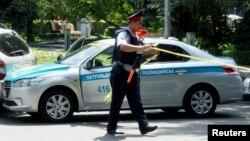 Алматы полициясы (Көрнекі сурет).