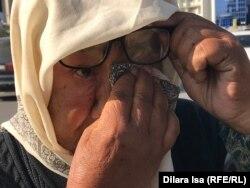 69-летняя Шырын Шагырбаева, которая просит милостыню. Шымкент, 9 октября 2019 года.