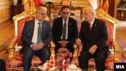 Талат Џафери и Исмаил Кахраман за време на официјалната посета на Џафери на Турција