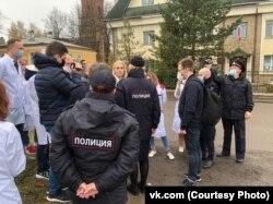 Перед судом по делу Юрия Коровина