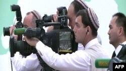 Türkmen TW-siniň kameraçylary