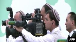 Сотрудники гостелевидения Туркменистана (иллюстративное фото)