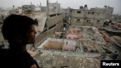 Իսրայելական օդուժի կողմից ռմբակոծության պատճառած ավերածությունները Գազայի հատվածի հյուսիսում: Հաղորդվում է, որ այս ռմբակոծության ժամանակ երկու երեխա է զոհվել: 24-ը հուլիսի, 2014թ․