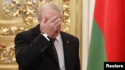 Аляксандар Лукашэнка на саміце АДКБ