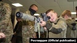 На выставке военного оружия. Севастополь, октябрь 2019 года