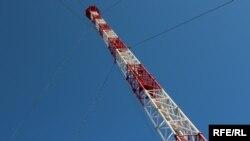 Новая радиовышка на горе Карачун