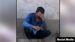 Кадр из видео с места избиения мужчины.