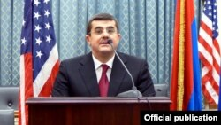 U.S. - Arayik Harutiunian, the Karabakh prime minister, speaks at a reception in Washington, 6Dec2016.