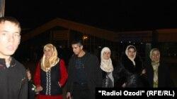 Ռուսաստանից արտաքսված տաջիկստանցի միգրանտներ Դուշանբեում, արխիվ