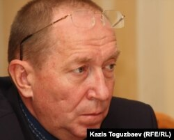Депутат парламента Николай Турецкий. Алматы, 21 октября 2011 года.