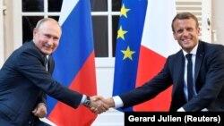 Ruski predsjednik Vladimir Putin i francuski predsjednik Emmanuel Macron