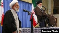 احمد جنتی،دبیر شورای نگهبان، در کنار رهبر جمهوری اسلامی