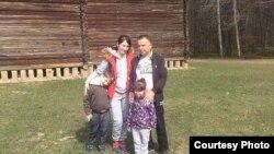 Кабір Мохаммад з родиною