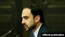 Вице-премьер, комендант чрезвычайного положения Тигран Авинян, 10 апреля 2020 г.