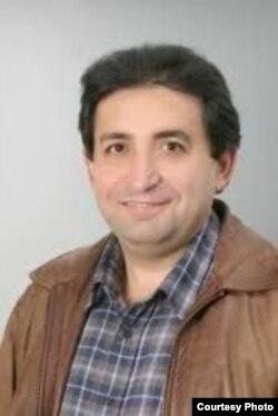 Almaniyada yaşayan yazıçı Vüqar Dəmirbəyli.