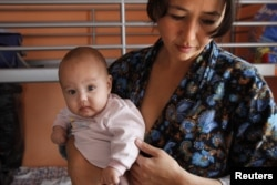 По мнению правозащитницы Гавхар Джураевой, большинство мигрантов не хотят оставаться в России навсегда из-за родственных связей на родине