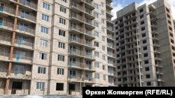 Строительство жилого комплекса в Астане.