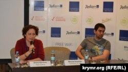 Крымские журналисты Елена Юрченко и Максим Кошелев на международной медиа-конференции, Киев, 27 апреля 2017