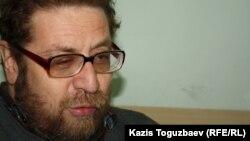 Андрей Свиридов, журналист, правозащитник. Алматы, 10 марта 2012 года.