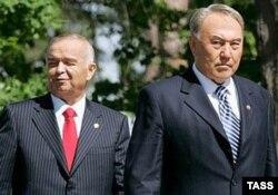 Өзбекстан президенті Ислам Каримов (сол жақта) пен Қазақстан президенті Нұрсұлтан Назарбаев. (Көрнекі сурет)