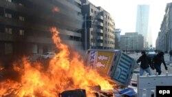 Столкновения демонстрантов с полицией у ЕЦБ во Франкфурте-на-Майне