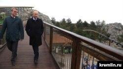 """Путин и Греф в крымском отеле Сбербанка """"Мрiя"""""""