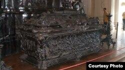 Гробница Александра Невского в Эрмитаже