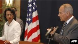 کاندولیزا رایس به همراه احمد ابو الغیط در کنفرانس خبری در شرم الشیخ