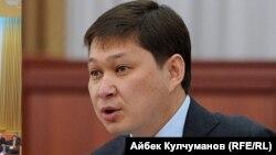 Сапар Исаков, Қырғызстанның бұрынғы премьер-министрі.