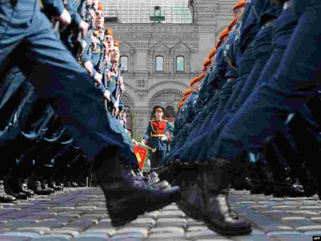 Rusija - Dan pobjede u Moskvi obilježen tradicionalnom vojnom paradom, 09.05.2011. Foto: AFP / Natalia Kolesnikova