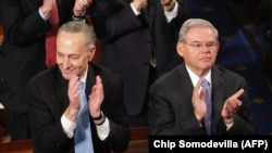 Demokrat senatorlar Charles Schumer və Robert Menendez İranla sazişin əleyhinə çıxırlar