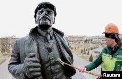 Памятник Ленину в Красноярске. 21 апреля 2017 года